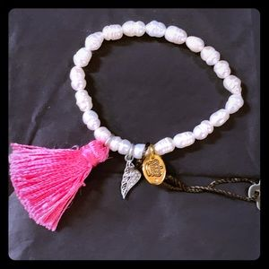 NWT Juicy Couture Pearl Stretch Tassel Bracelet